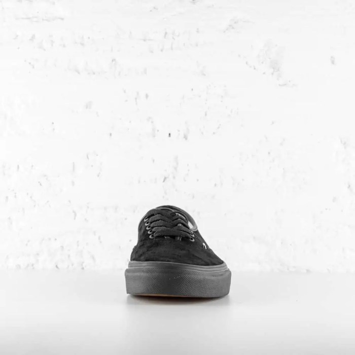VANS AUTHENTIC BLACK SUEDE 6