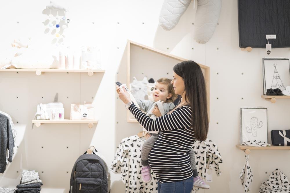 Die besten Läden und Online Shops in der Schweiz für Kindermode, Kindermöbel, Accessoires und Spielsachen