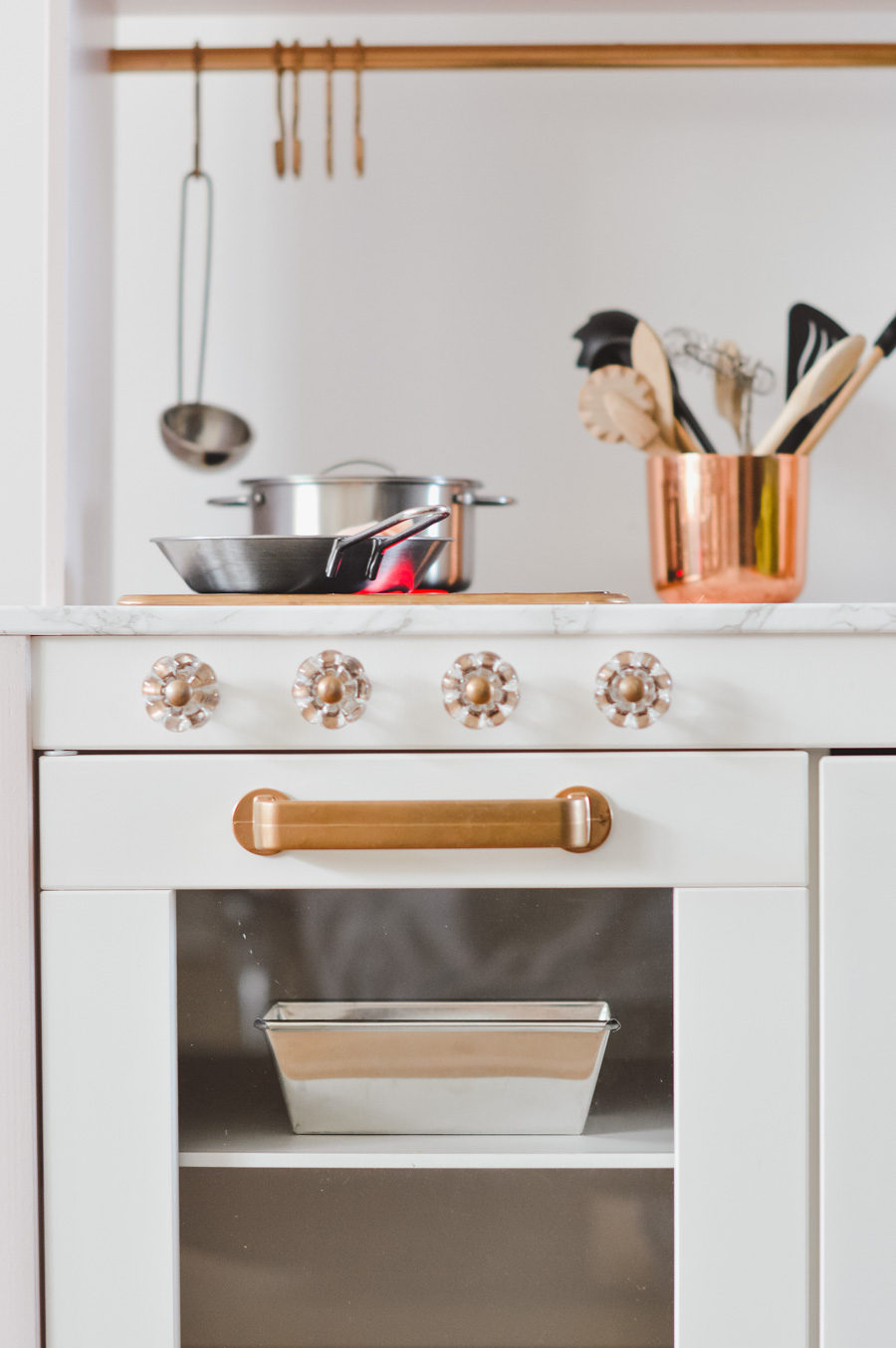 The Ikea children's kitchen: a few ideas on how to pimp it up beautifully # ikeaküche #ikeakitchen #ikeahack # kinderküche #diy