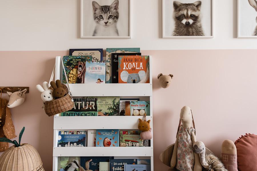 Unser Bücherregal für Kinder: Worin wir Kinderbücher aufbewahren und welche Kinderbücher wir ganz besonders mögen #bücherregal #kinderbücherregal #kinderbücher #kinderzimmer