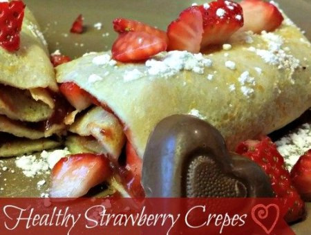 Healthy Strawberry Crepes