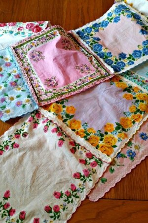 Handkerchief Table Runner |Mini Van Dreams