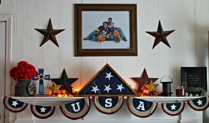 4th of July Mantle Decor with Oriental Trading via Mini Van Dreams #decor #orientaltrading #sponsored