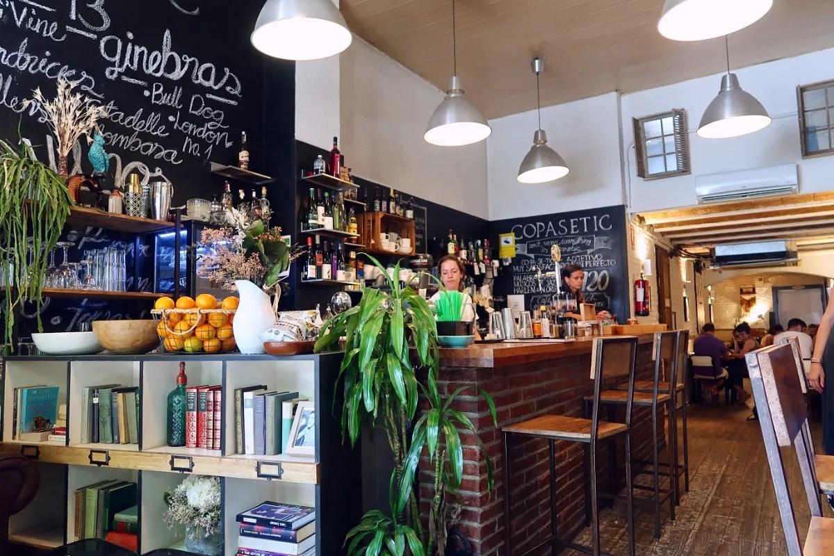 Best brunch in Barcelona @minkaguides Copasetic interior