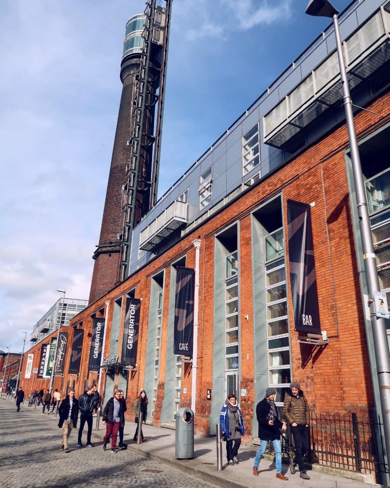Review Generator Hostel Dublin @minkaguides Exterior