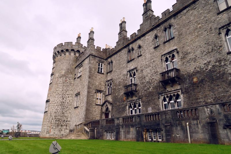Wicklow Mountains day trip from Dublin @minkaguides Kilkenny Castle 1