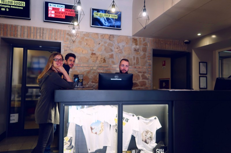 Review The Yellow Hostel Rome @minkaguides reception