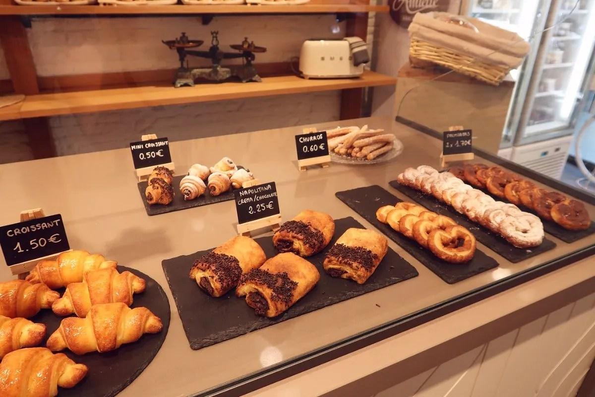 Gluten-free Barcelona Amiette-Gluten-Free-Bakery-croissants CREDIT Minka Guides