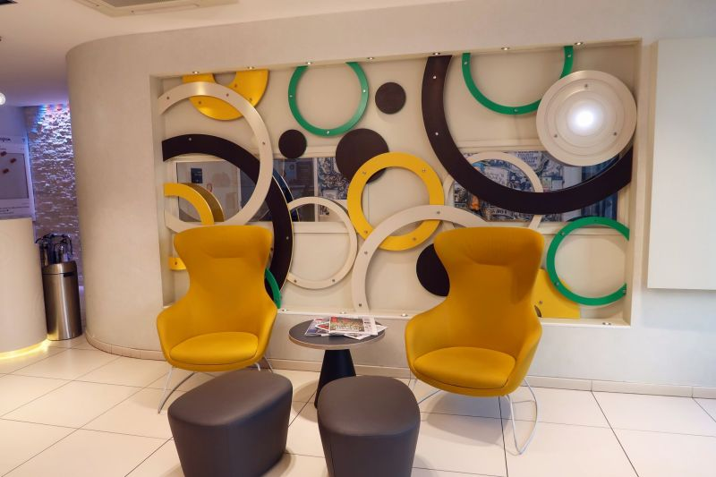Point A Hotel London Shoreditch @minkaguides reception