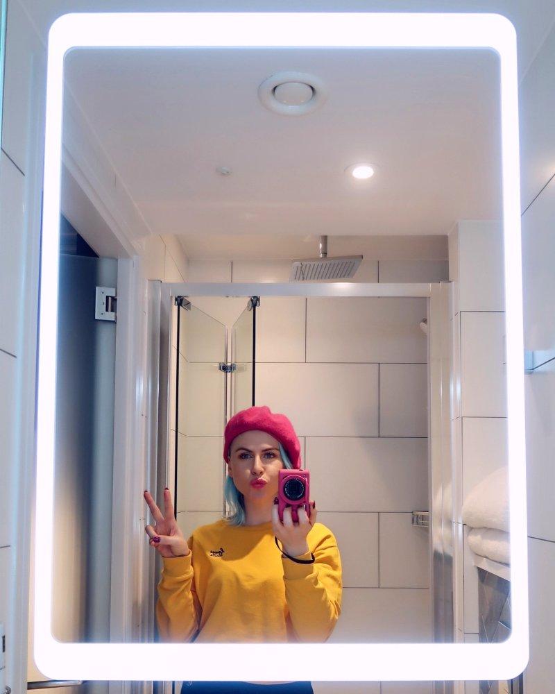 The East London Hotel @minkaguides bathroom selfie
