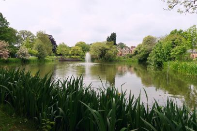 Bletchley Park Museum lake CREDIT_ © Minka Guides