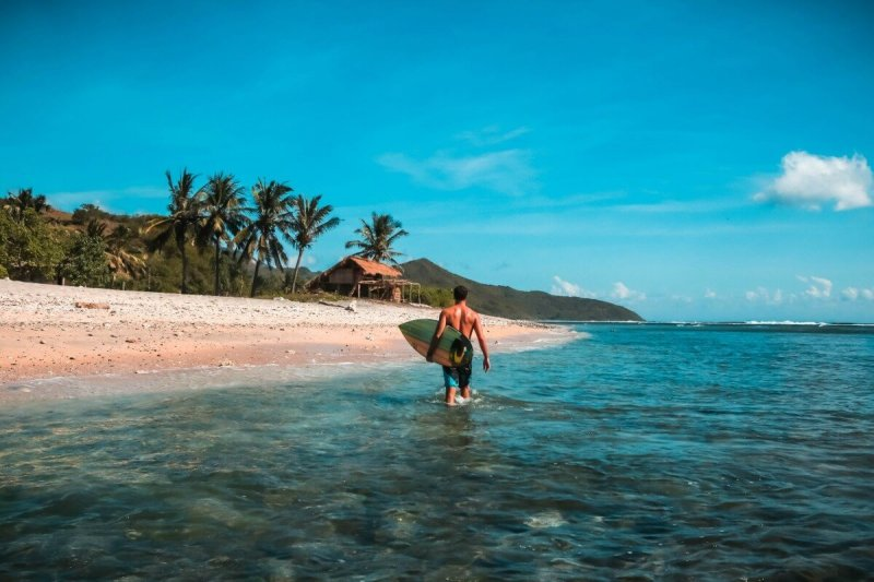 Best solo travel destinations in Asia Lombok Indonesia CREDIT Jeremy Bishop-Unsplash