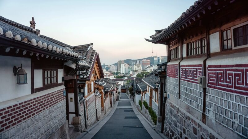Unique things to do in Seoul Bukchon Hanok Village CREDIT yeo khee-unsplash