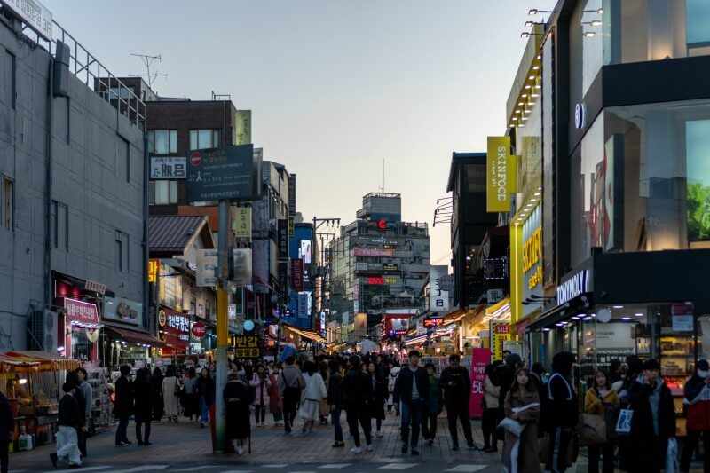 Unique things to do in Seoul Hongdae CREDIT patrick-unsplash
