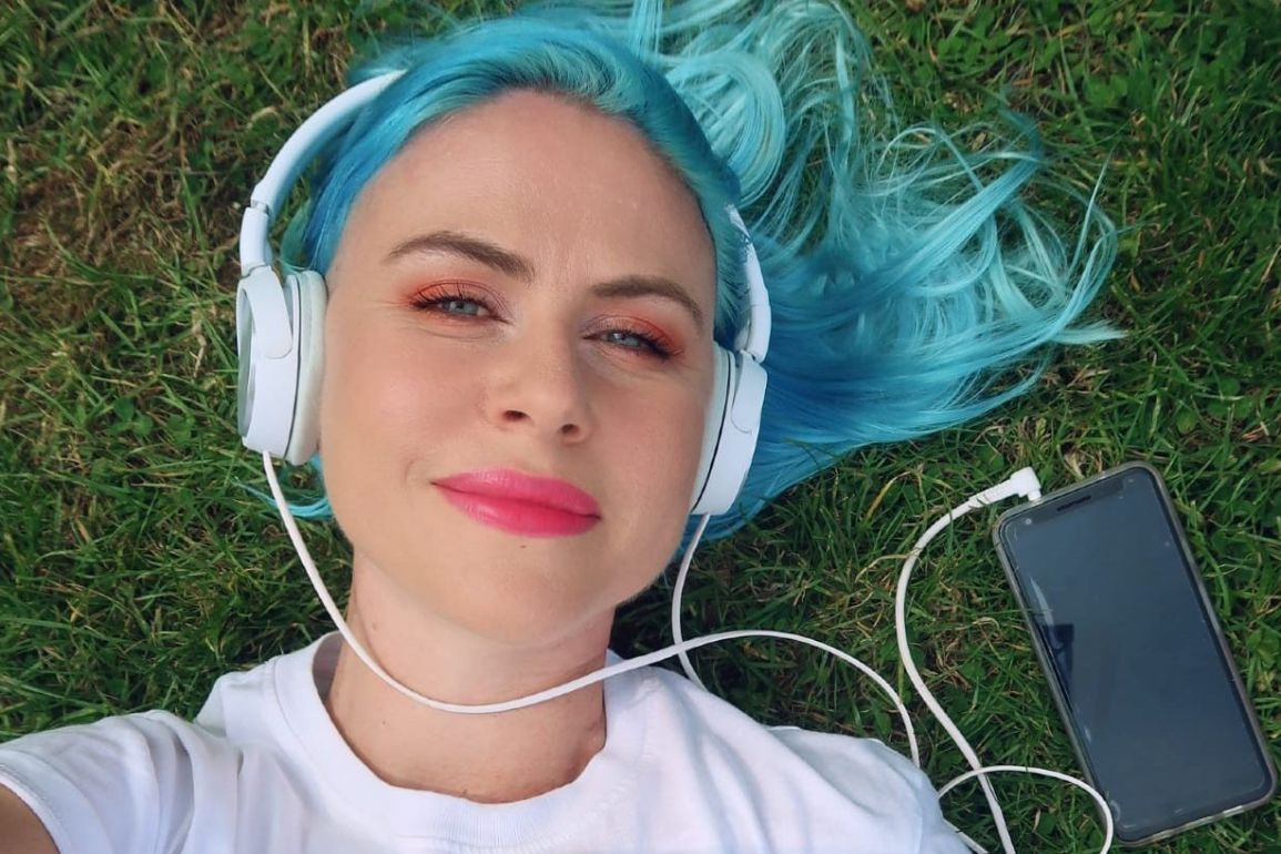 Polyamory podcasts CREDIT Minka Guides