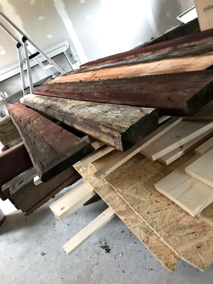 timmervägg av panel