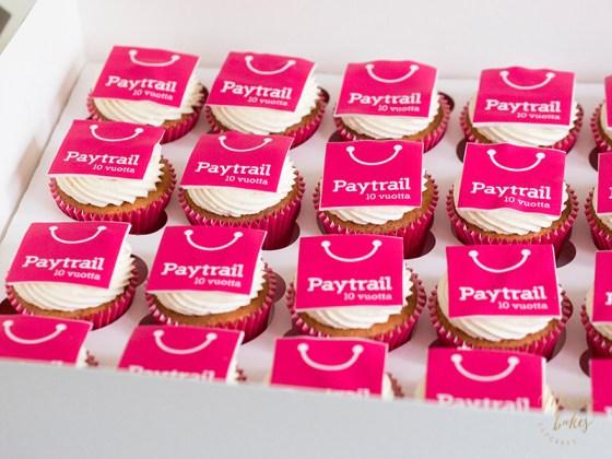 Cupcaket yrityksen logolla