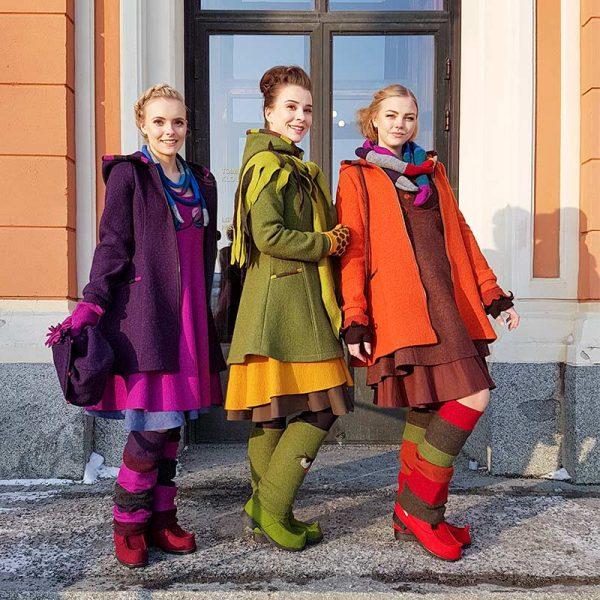 Naisten villakangastakkeja, violetti, vihreä ja oranssi