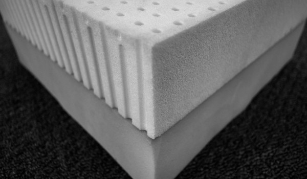 Memory Foam and Latex Internals forming the Dual Series Mattress