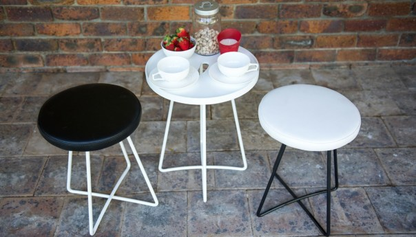 Handy Table with Wired Low Stools