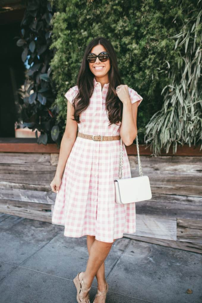 pink checkered dress with cork accents. so perfect for spring or an easter dress! love the chain bag too - huge trend for 2016.