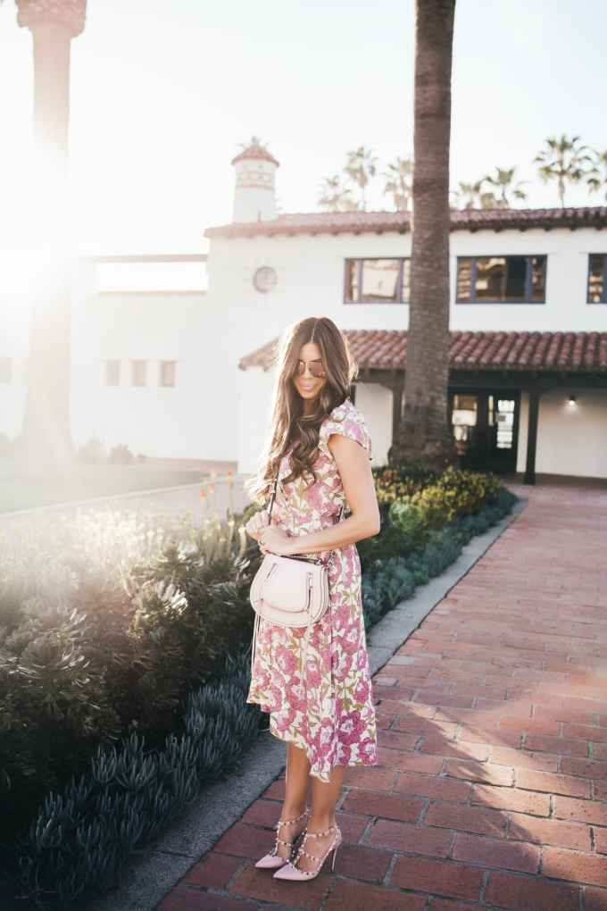 Pink Crossbody bag in the sunset