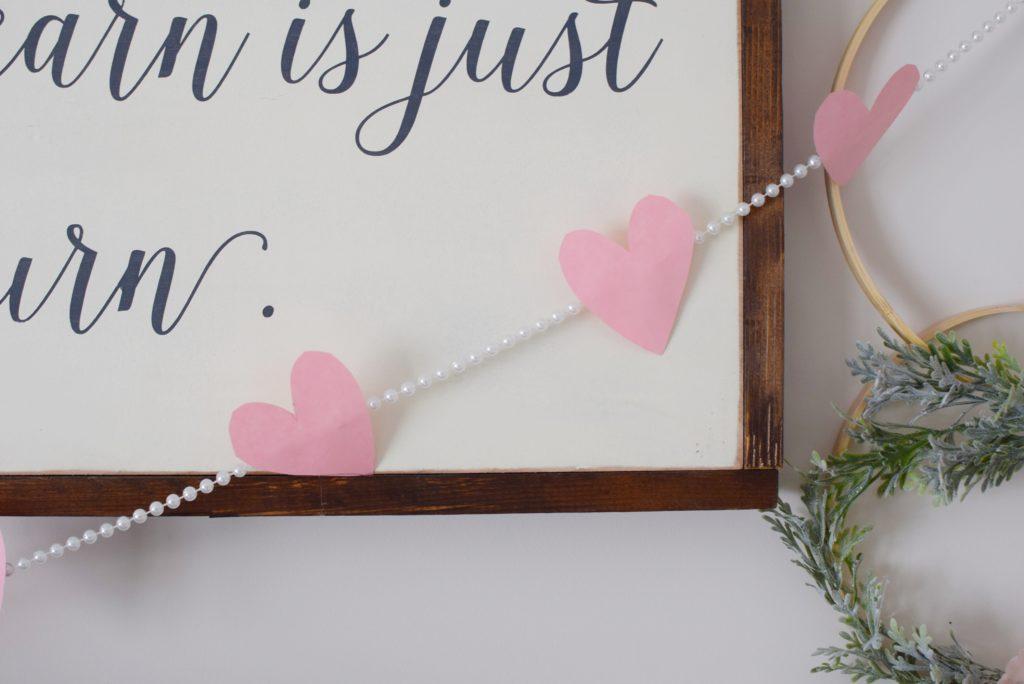 Easiest DIY valentines heart garland - Mint Candy Designs