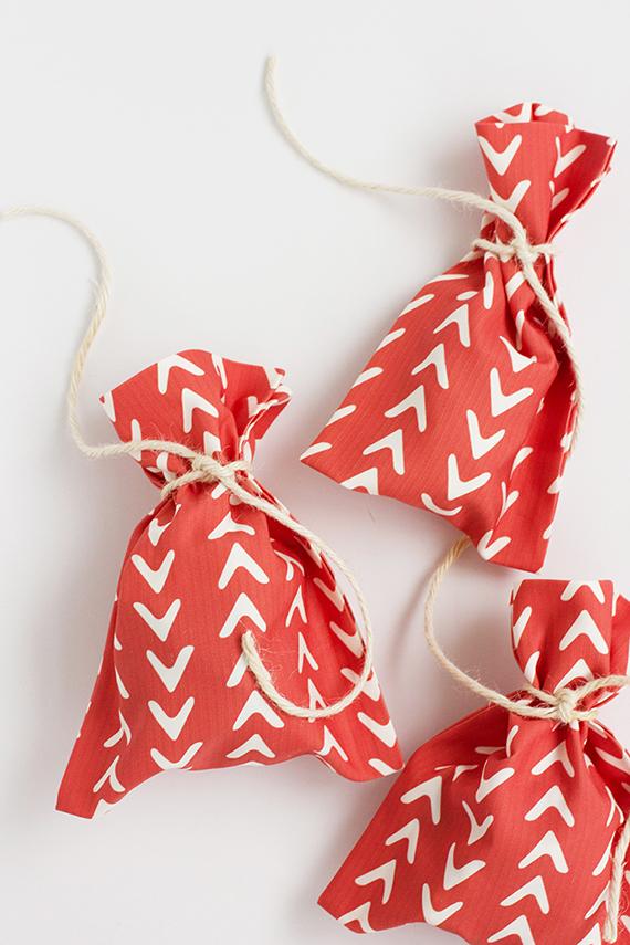 DIY No Sew Fabric Gift Bag Julep