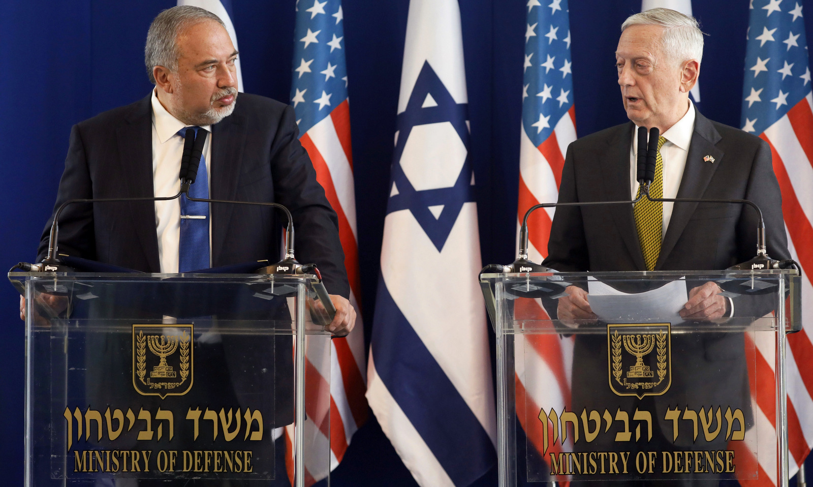 U.S. Defense Secretary Jim Mattis, right, and Israeli Defense Minister Avigdor Lieberman attend a joint press conference at the Defense Ministry in Tel Aviv, Israel, April 21, 2017. (Jonathan Ernst/AP)