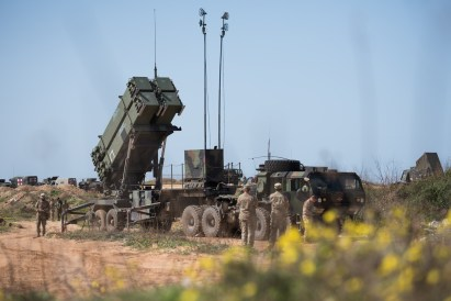 US Israeli troops deploy a Patriot missile defense battery during the 2018 Juniper Cobra air defense exercise in March 2018. (Israel Defense Forces)