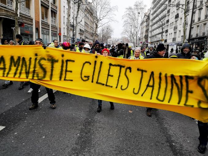 Yellow Vest   Riot Police