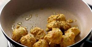Marinated Potatoes in Pan
