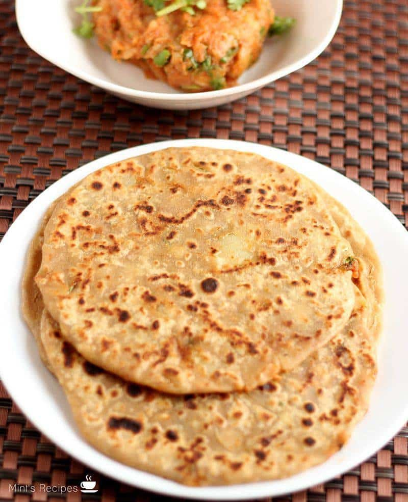 Aloo Parantha - I LOVE this! A really simple and easy recipe to make at home with easy ingredients. | www.mintsrecipes.com