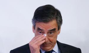 Primaire à droite : François Fillon blessé par un photographe