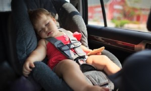pic de chaleur enfant voiture