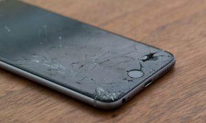 """iPhone : Un étudiant allemand invente un """"airbag"""" pour éviter que la vitre de l'écran se brise."""