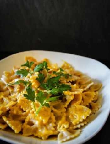 Pasta an Parmesan-Kürbis Sauce