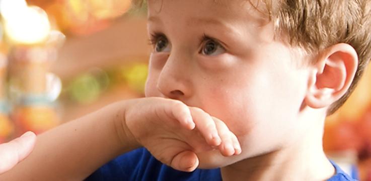 Niños que vomitan con facilidad