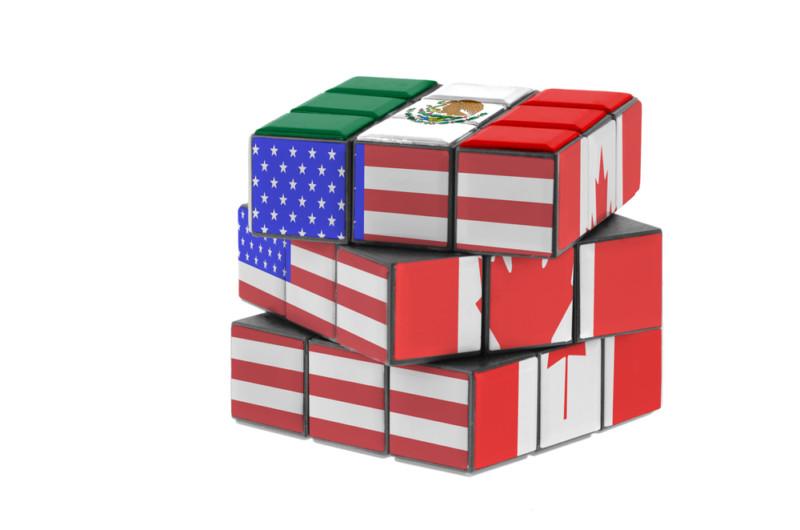 Peso mexicano aprovecha tambaleante gobierno de Trump