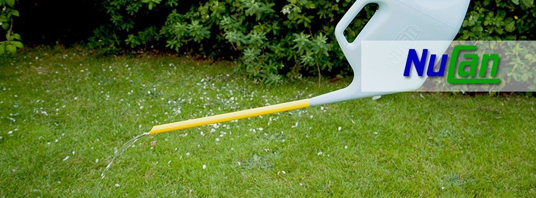 Saving water when watering garden plants with the Nucan watering can