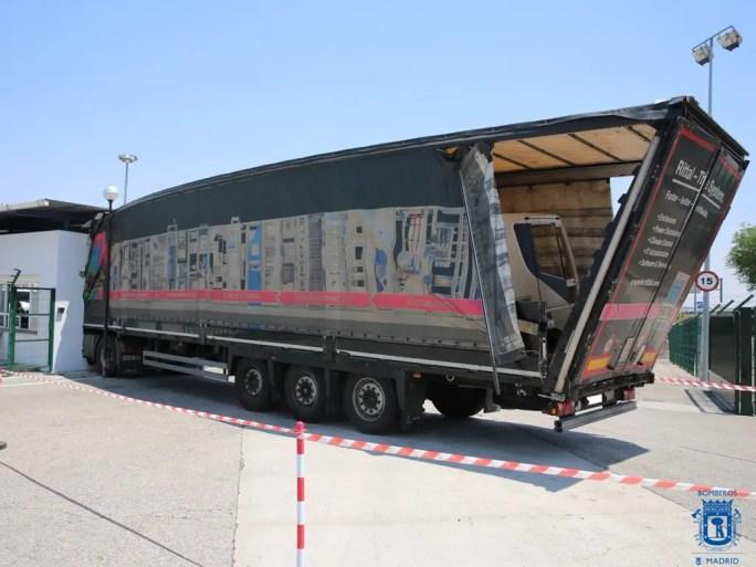 El camión empotrado (Bomberos Ayto. Madrid).