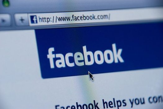 Estudos dizem que Facebook faz as pessoas viverem mais