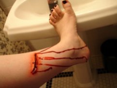 laceration, wound, gore, wax, latex, sfx makeup, special effects makeup, blood, leg