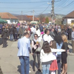 Dacia film: Medias, traditii de Paste, jocul Turu (video)