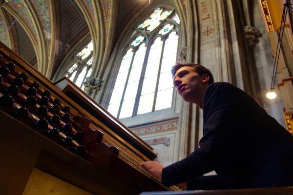 Serviciu muzical divin | invitat: Valentin Fheodoroff (Viena)
