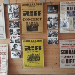 "Expozitia ""Riff 50 de ani de rock in afise si fotografii rare"""