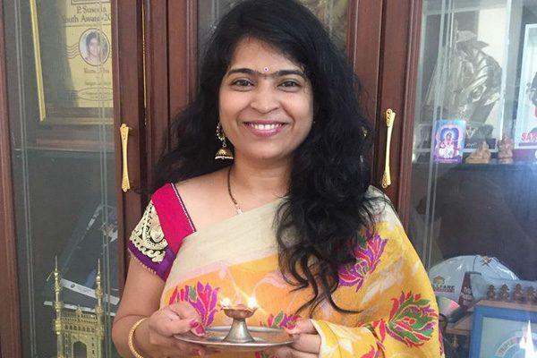 Singer Sunitha Usha Controversy - Playback Singing