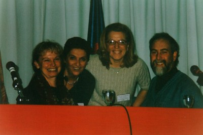 Roger Morrison, Nancy Herrick e Marisa Pontesilli