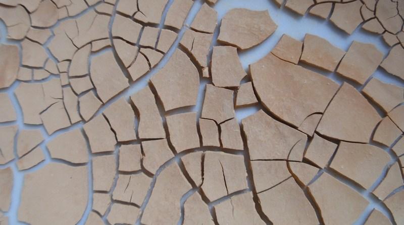 Bentonit známý jako léčivý jíl se rychle rozšiřuje.