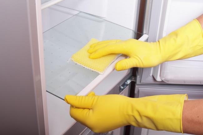 Odstranění nepříjemného zápachu v lednici